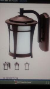 Éclairage extérieur lanterne MAYA de Canarm