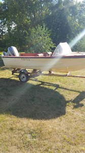 1984 14 foot fiberglass boat.