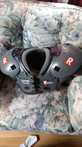 Football shoulder pads chest 32-34