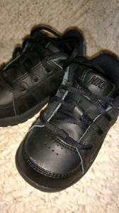Toddler shoes (sizes 6-7)