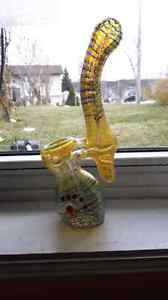 Red Eye Glass- Color changing- Bubbler Pipe