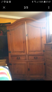 Magnifiqueal armoire pin massif