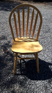 4 nice maple dining chairs