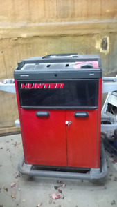 Hunter alignment cabinet