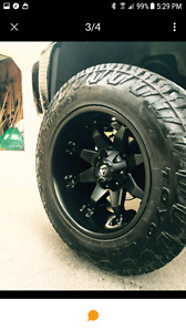 "20"" fuel 35"" toyo open country tires 12.5 wide"