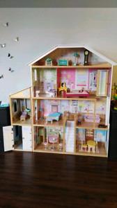 Maison de barbie géante
