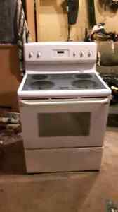 Frigidaire self cleaning convection oven