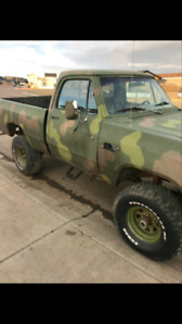 Sask plated dodge shortbox single cab 4X4 4 speed low end gears