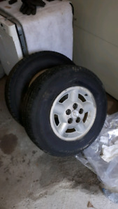 Set of 4 winter tires on aluminum rims nitrogen filled