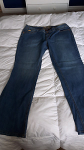 Plus size 20w House of Dereon jeans