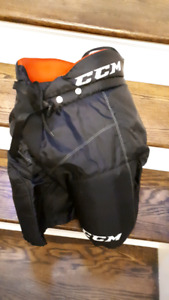 CCM hockey pants! Excellent condition!