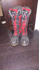 red and black ladies winter boots