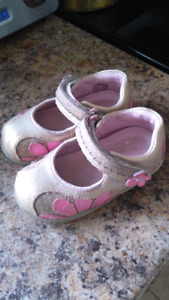Stride Rite toddler shoes, size 6, gold and pink