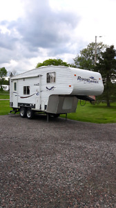 Fifth wheel 19' road runner 2006