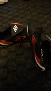Umbro soccer cleats size 8 fs