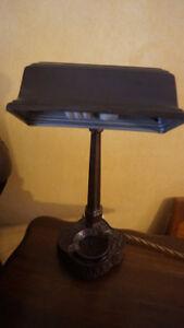 4u2c ANTIQUE CAST METAL DESK LAMP WITH ASHTRAY