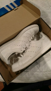 Adidas Stan Smith - white on white / size 9 mens