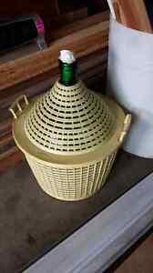 Wine basket/wine maker