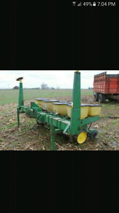 LOOKING FOR CORN PLANTER