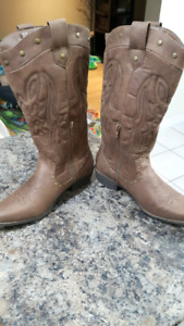 Like New - Justfab Dolly Leather Cowgirl boots