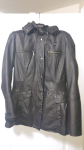 Danier Leather Jacker (Womens Small) Mint Condition!!!