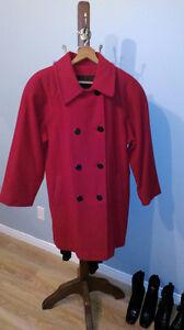 Très beau manteau rouge