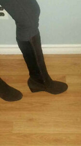 Aqua Diva brown suede boots never worn