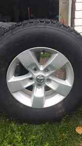 Set of 4 rims with winter tires