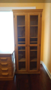 High Quality Solid Wood Bookcase & Display Cabinet