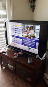 52 Inch flat-screen tv cheappp moving sale !!