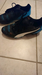 Cleats size 7