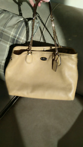 Authentic Coach Chain Link Pebbled Leather Shoulder Bag F34619