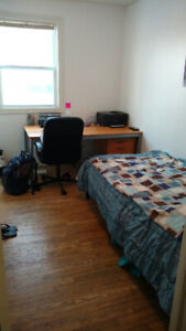 McMASTER UNIVERSITY_SUMMER SUBLET_MAY-AUGUST