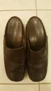 brown leather mephisto slip ons
