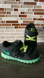 Soulier chaussure shoes nike