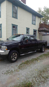 2004 Ford F-250 Lariat package Pickup Truck