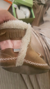 Baby girl moccasins fits up to 9 months