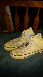 VINTAGE SNEAKERS - LEATHER JACKETS, COFFEE MAKER- FURNITURE ETC.