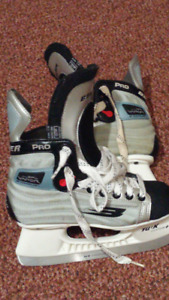 Bauer Vapor SFL Pro Junior Hockey Ice Skates Size 2D