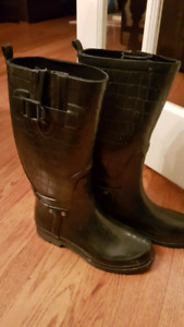 Black Stylish Girls or Ladies Rubber Boots Size 7