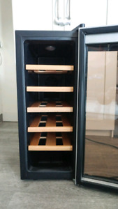 Koolatron 12 Bottle Deluxe Wine Cooler