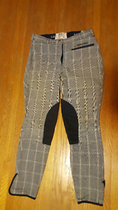 Harry Hall knee patch breeches. Size 26