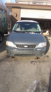 Ford windstar 2002 low km 7 passenger