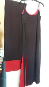 Robe noire en crêpe