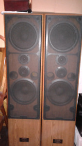 Speakers..Stereo