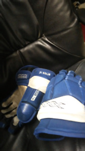 Game used Leafs gloves
