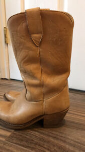 Ladies custom made cowboy boots