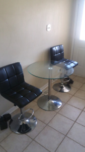 Coffee & Wine Table with 2 Chairs