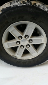 265 70R17 GMC / CHEVROLET WINTER TIRES AND OEM RIMS