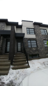 Townhouse to rent in Vaudreuil